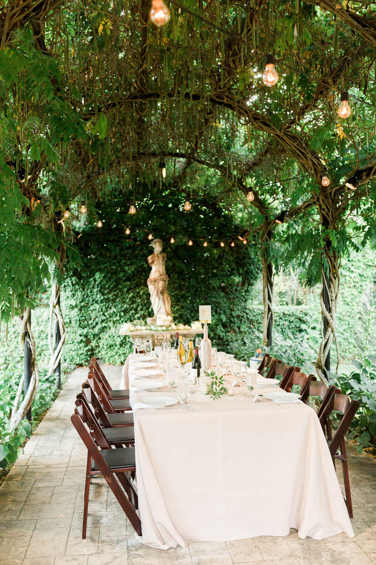 Private Estate Wedding with Tuscan Garden Vibes